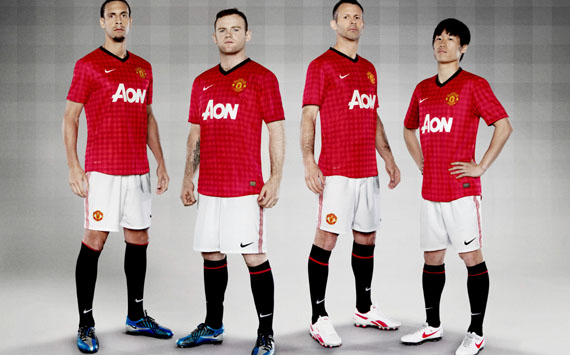 2014-2015-Manchester-United-shirt