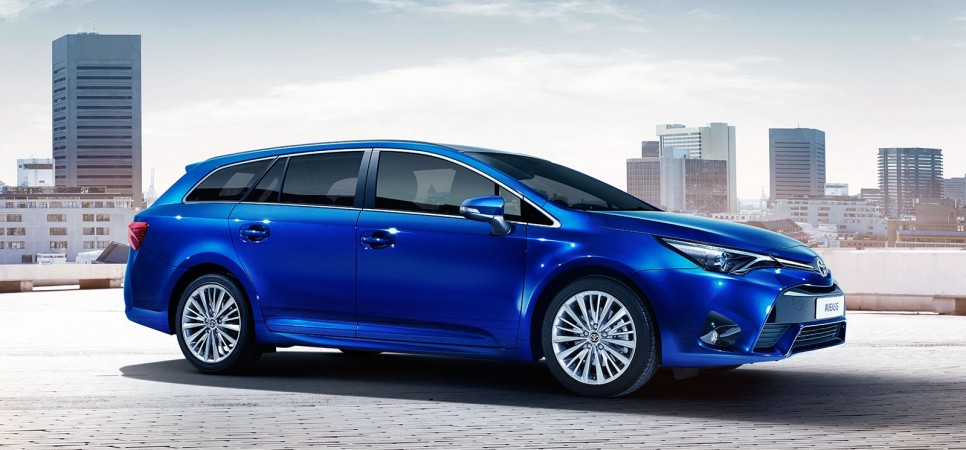The new Toyota Avensis advert