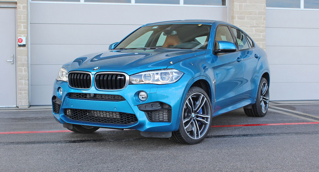 2015 BMW X6 M Beauty-Roll